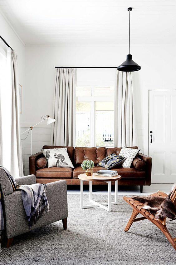 Kožený gauč je klasika, ktorá nikdy nezostarne a navyše vám vydrží aj desiatky rokov