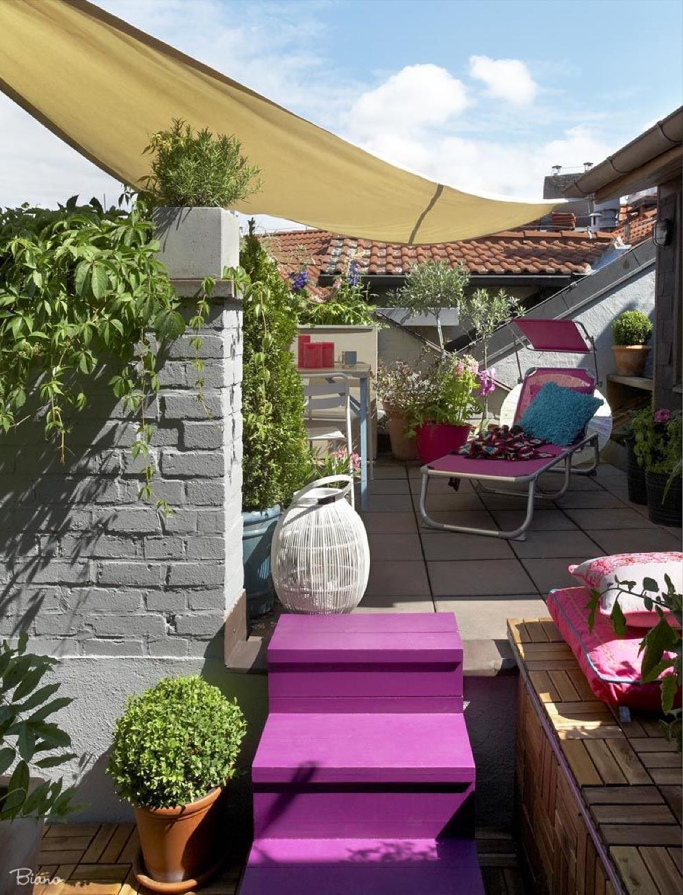 Priestor na streche sa dá vďaka dispozícii krásne zastrešiť. Na terase tak v podstate vznikla ďalšia izba.