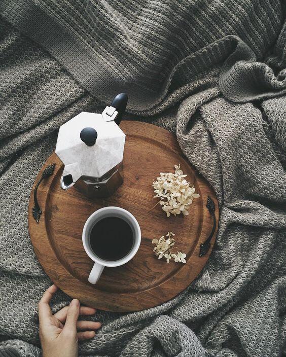 Kávu pripravenú v moka konvičke si rýchlo obľúbite pre jej silnú chuť aj rýchlu prípravu