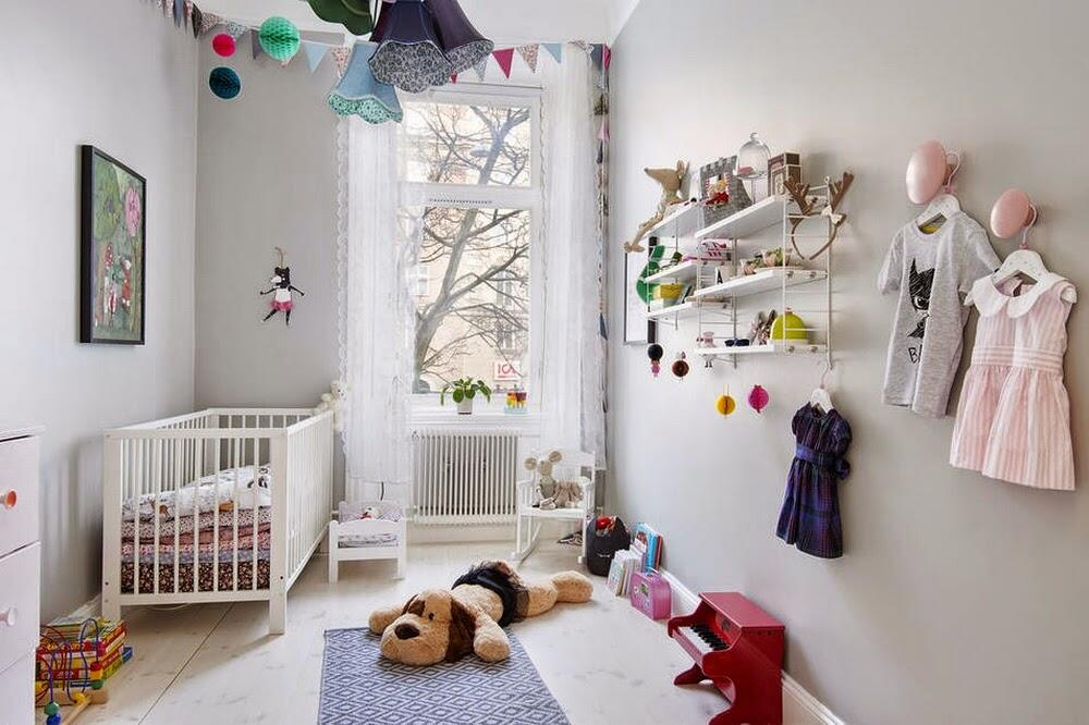 V škandinávskych detských izbách prevažuje tradičná biela, ale dopĺňajú ju často pastelové tóny