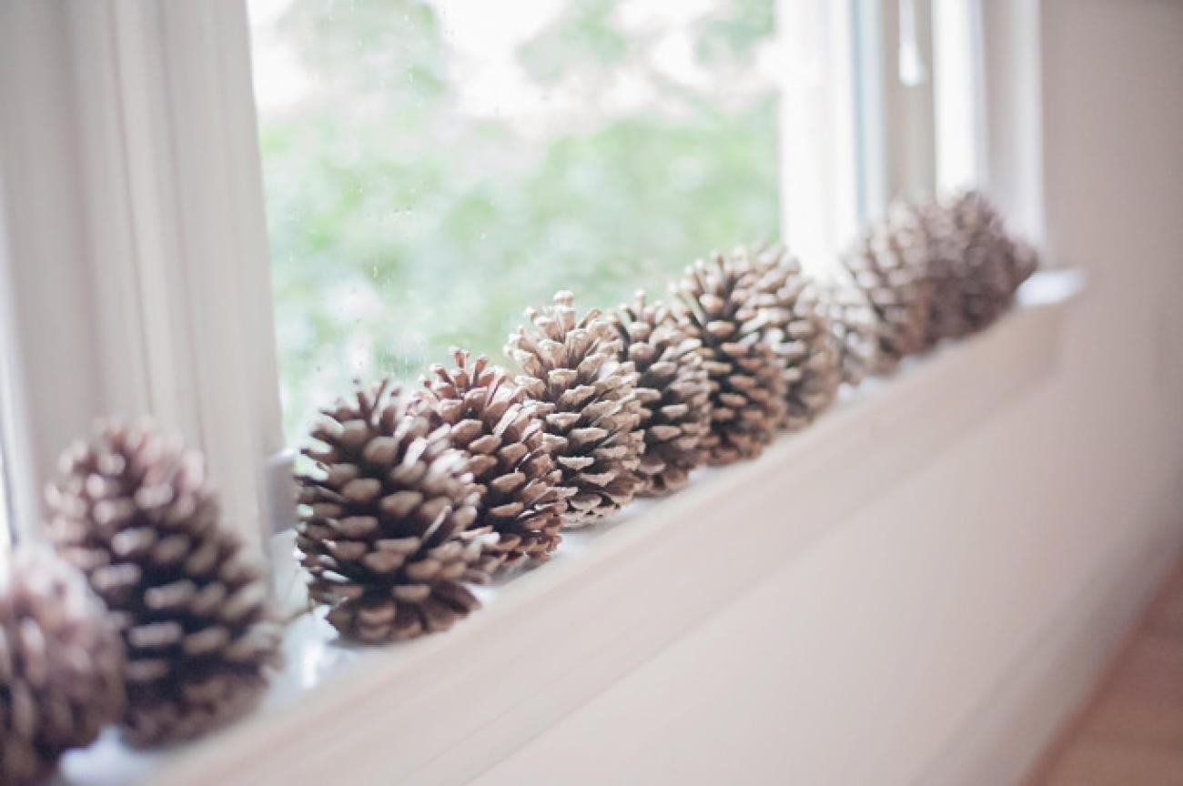 Aby ste si doma vykúzlili vianočnú atmosféru, nemusíte za dekorácie minúť majland - dobre poslúžia aj byčajné šušky.