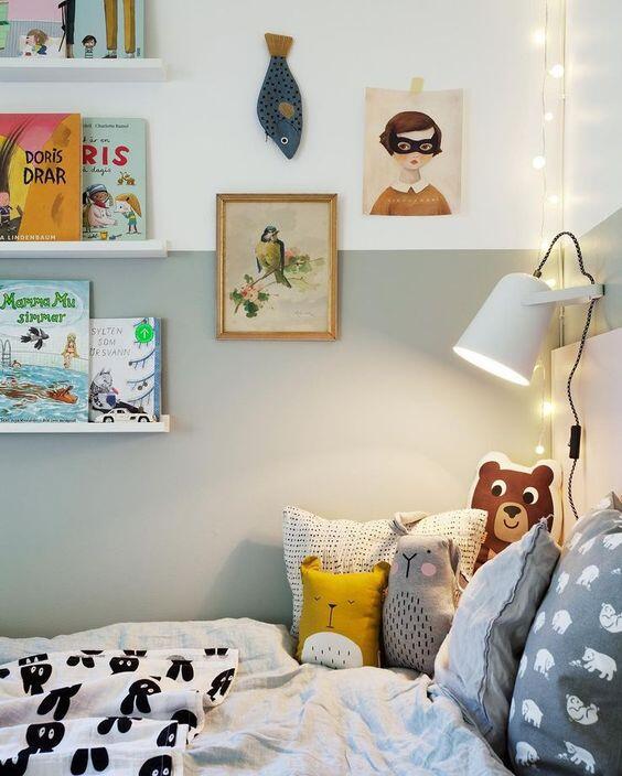 Osvetlenie pri posteli je dôležité pre čítanie i proti bubákom