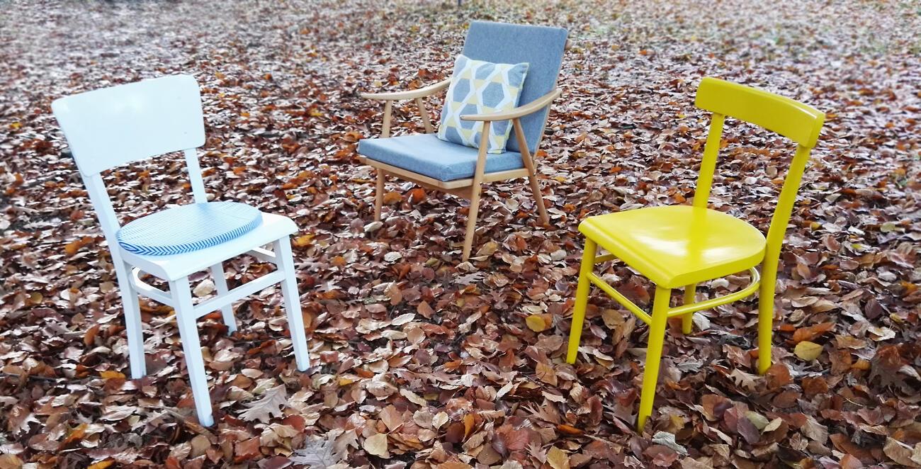 Stoličky a kreslo si po renovácii zachovali všetky svoje prednosti, ale skvelo zapadajú do moderného interiéru.