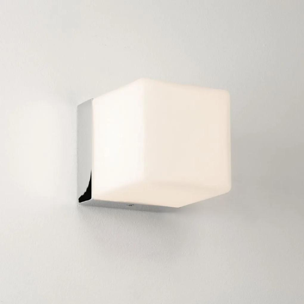 Kúpeľňové svietidlo ASTRO Cube wall light 44 1140001