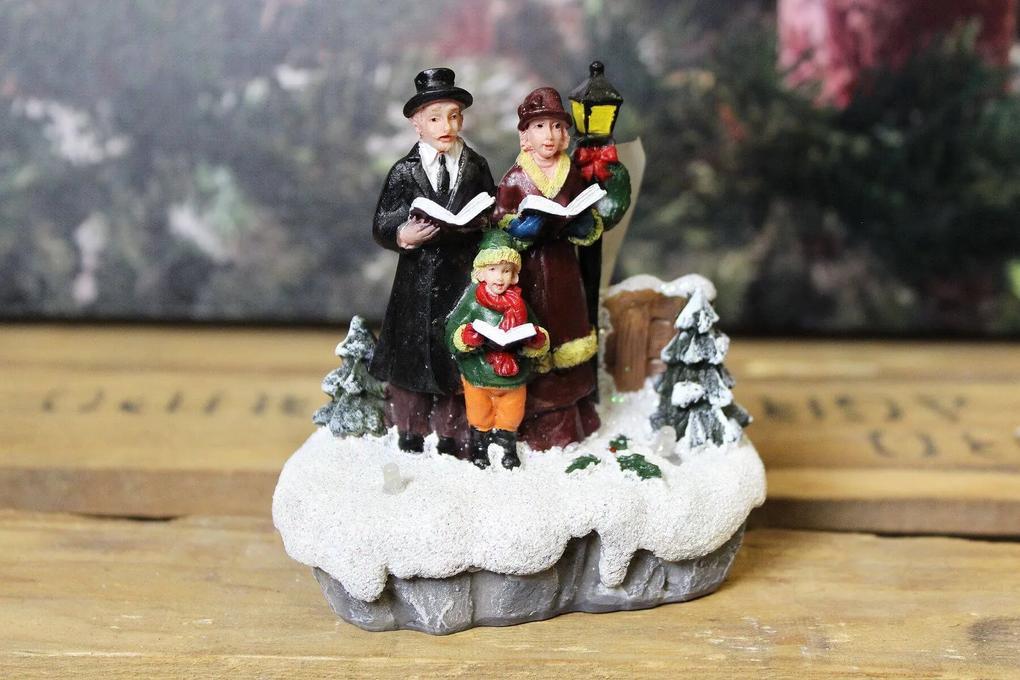 Svietiaca vianočná dekorácia rodinka v snehu 10cm