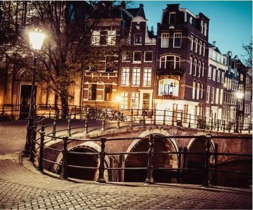 Luxusné vliesové fototapety, rozmer 325,5 cm x 270 cm, Amsterdam, P+S International CL39A