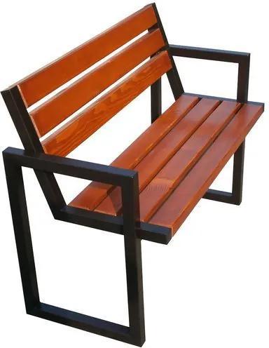 Parková lavička Modern III s operadlom a podrúčkami