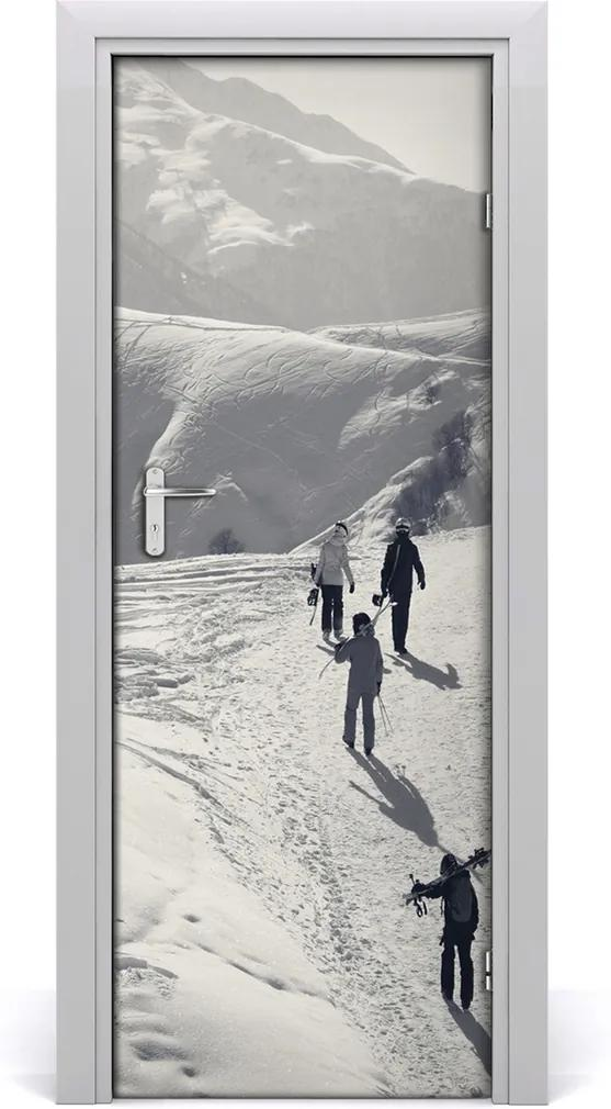 Fototapeta na dvere  ľudia lyžiarov