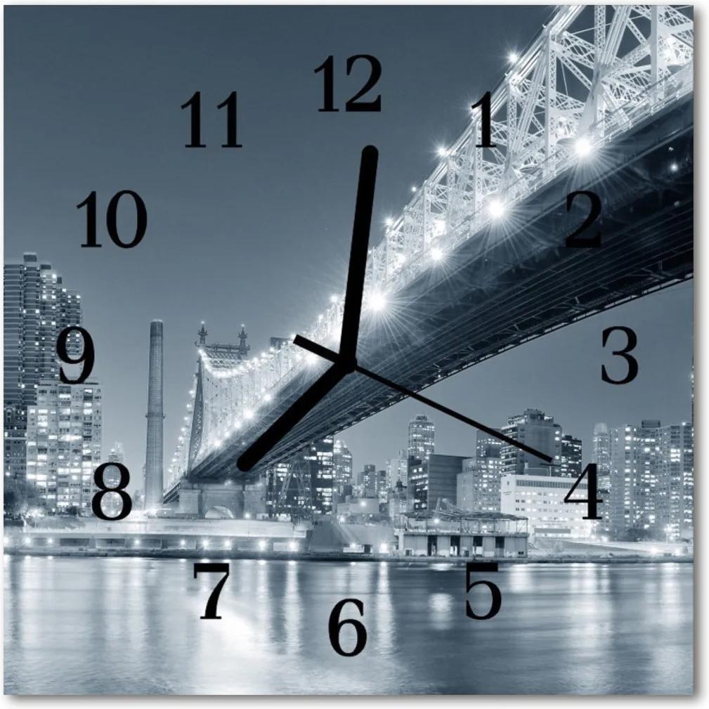 Skleněné hodiny čtvercové most
