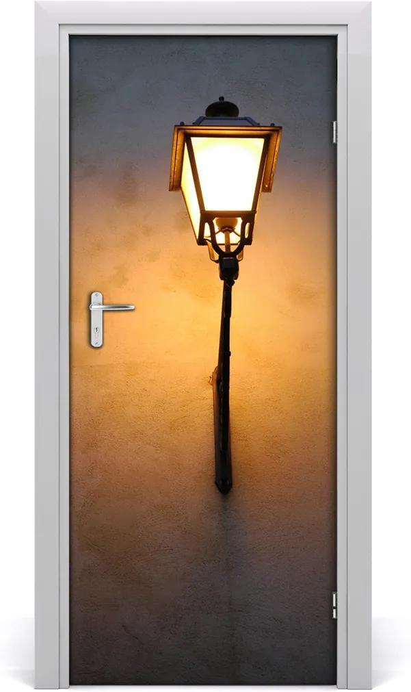 Fototapeta samolepící dveře Stará ulička lampa