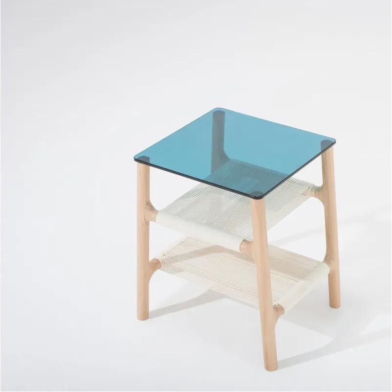 Odkladací stolík s konštrukciou z dubového masívu a modrou doskou Gazzda Fawn
