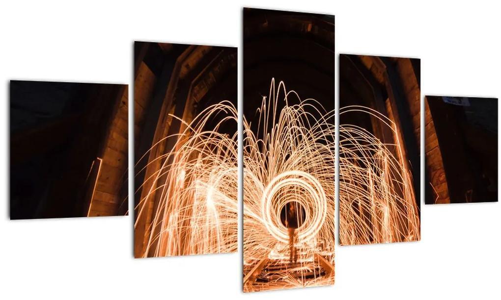 Obraz - Svetelná show na koľajniciach (125x70 cm), 40 ďalších rozmerov