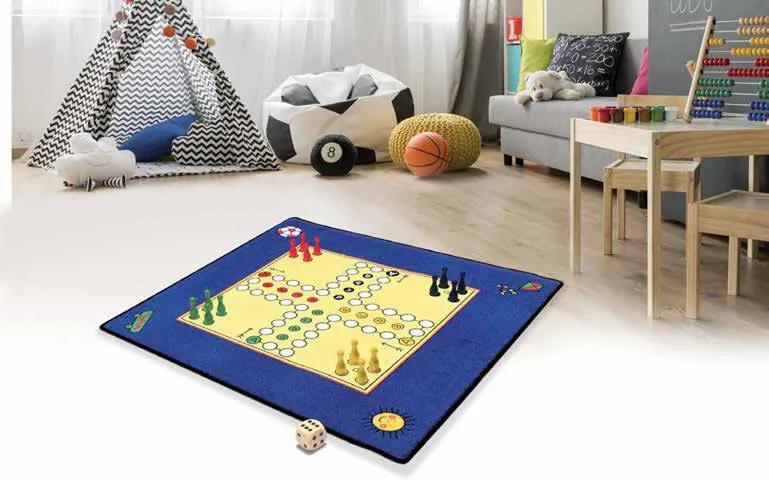 Hrací koberec Člověče nezlob se + figurky a kostka - 92x92 cm