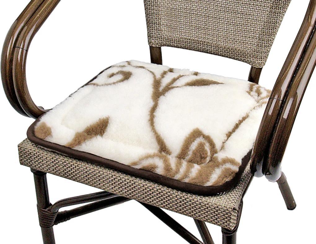 Sedáky z ovčieho rúna (Podsedák z ovčej vlny na stoličku)