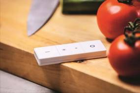 LED luster Philips HUE Fair - s diaľkovým ovládačom - čierna
