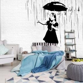 Fototapeta - Dievča s dáždnikom v daždi (254x184 cm), 10 ďalších rozmerov