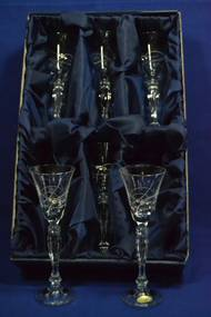 Kryštáľové poháre na LIKÉR so swarovski kryštáľmi v saténovom balení