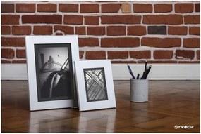 Biely rámček s sivou paspartou na fotografiu Styler Lahti, 40 × 50 cm