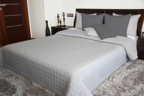 DomTextilu Obojstranný prehoz na posteľ v svetlošedej farbe Šírka: 75 cm   Dĺžka: 160 cm 27654-153259