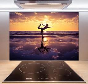 Panel do kuchyne Joga na pláži pl-pksh-100x70-f-98847992