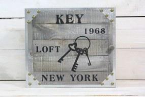 """Drevená skriňka na kľúče """"KEY 1968 LOFT NEW YORK"""" (25x22x5,5 cm)"""