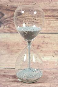 Presýpacie hodiny so sivým pieskom (v. 20,5 cm)
