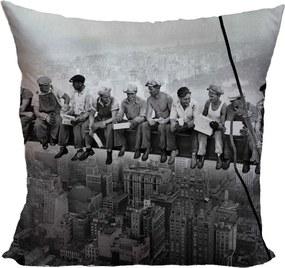 Vankúš Robotníci na traverze (Veľkosť: 55 x 55 cm)