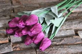 Fialový umelý tulipán v puku s listami 65cm