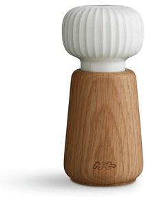 Mlynček z dubového dreva na korenie s bielym detailom z porcelánu Kähler Design Hammershoi, výška 13 cm